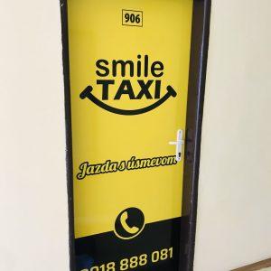 smile taxi dvere taxislužba